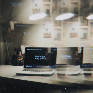 Искусство слепых фотографов, незримый свет, документальное кино, документальный филь по фотографии, Dark Light: The Art of Blind Photographers